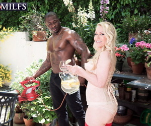 Blonde grown up robin pachino fucked by young bbc - ornament 1755