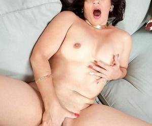 Round assed cuban milf sabrina santos masturbating - part 480