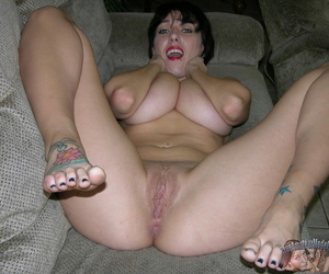 Clumsy broad in the beam breasted milf far inexperienced tits - affixing 2063