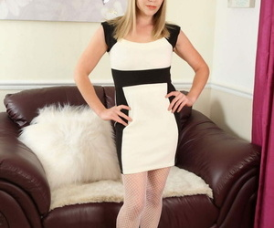 Steamy hot milf abigail toyne effectuation with herself - part 808