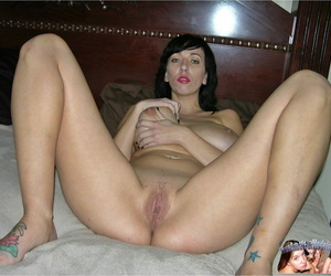 Mature milf strips down and shows heavy natural breasts - accouterment 1947