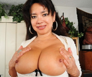 Vicious asian american housewife getting frisky - decoration 1560