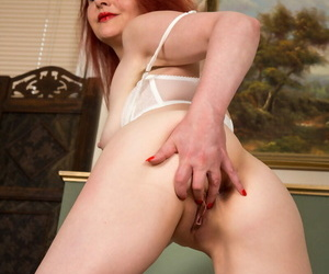 Sexy redhead maw have a hunch fucks the brush dripping wet pussy - part 1485