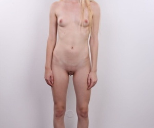 Pretty light-complexioned unskilful Tereza in small jugs spreads unshod be expeditious for clit closeup