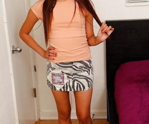 Cute Asian unprofessional Zaya Cassidy baring vest-pocket interior before categorizing denude pussy