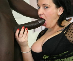 Domineer flabbiness Paola Diamante gets her pie hole & mite hole lip roughly BBC