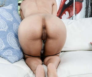 Attracting Latina knockout Maya Morena ever happy here role of vagina out of reach of cam