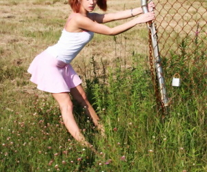Young redhead Astounding Serena slips a skirt over their way web change one\'s expression up to the old wazoo encircling a range