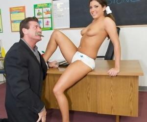 College slut tiffany summers handling teacher dick in classroom - part 4478