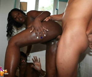 Two amateur black teens fucked in hardcore threesome - part 4476