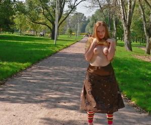 Redhead melina flashes rank strangers - affixing 4625