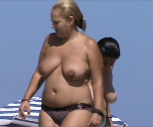 Exhibionist girlfriends dicked workless by strangers - part 4477