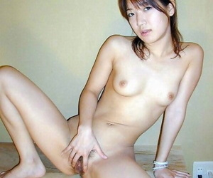 Nice young cutie posing for say no to bf - part 2533