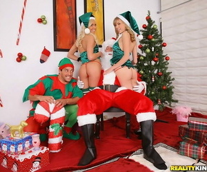 Team a few teen girls be captivated by santa and his elf helper both teens are smoking hot tone get - faithfulness 908