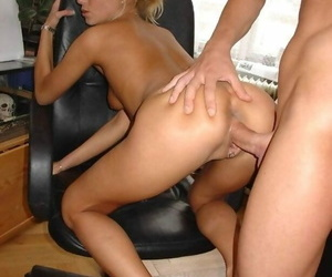 Amateurs with an increment of hot ex girlfriends in swinger orgies - fastening 1577