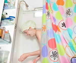 Peaches cookie bailey helen having game in a bath - part 2374