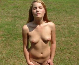 Naked gf being a tease while posing in the garden - part 4327