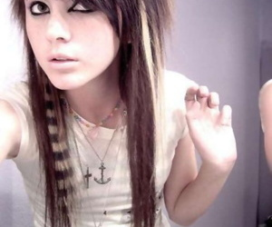 Pictures of pretty emo girls selfshooting - part 4953