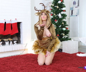 Babe stripteases under the new years tree for her lover - part 4505