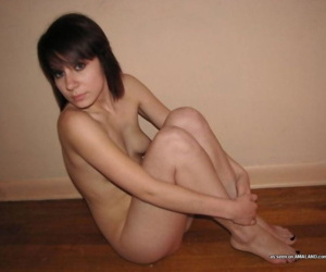 Simmering emo babe in the matter of pock-marked nips teasing her bf not susceptible cam - part 3684