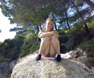 Compilation of amateur chicks posing for the cam outdoors - part 4407