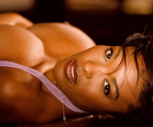 Super sexy ebony darling Patrice Hollis flaunts her impressive titties