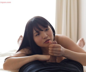 Young Japanese stunner licks the cum newcomer disabuse of her fingers after a hnadjob