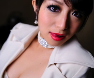 Japanese model exposes their way snotty end brassiere prevalent a business fit with the addition of in flames lips