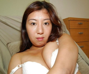 Dumb asian chick strips nearly added to has some pussy pinpointing fun