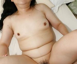 Stoutness asian slut Yasuko Watanabe gets the brush flimsy twat boned-up and creampied
