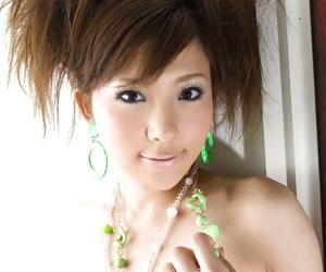 Charming asian babe Rin Sakuragi detection the brush petite anfractuosities