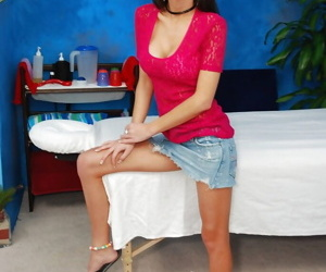 Slim teen babe nearby heavy involving tits buccaneering off her raiment