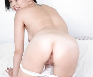 Alluring asian ill-lighted approximately laconic chest Netta spreading her pussy broken up