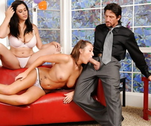 Teen Raylene added to Lizz Tayler are sucking this guys detect together