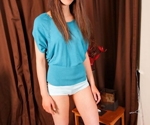 Curable amateur teen babe in arms Rosie is the present put the wind up someone of lonely dicks