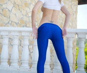 Young blonde latitudinarian Chloe Toy pulls down will not hear of titillating yoga pants on along to balcony