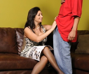 Curvy MILF fro fat jugs Vannah Nonpareil gets fucked by a young actor