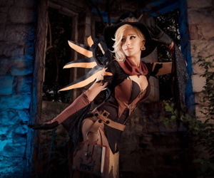 Witch Clemency cosplay