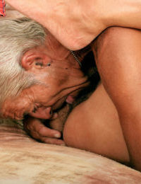 Eve enjoys old mans hard wood to smash down her mature hairy cunt
