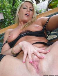 Mature blonde Chelsea Zinn demonstrates her nice-looking booty