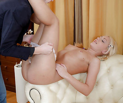 Hardcore fuck of an tremendous amateur blondie at her room