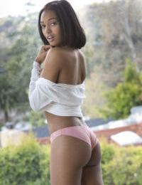 Exotic ebony beauty Noel Monique reveals her tight pink slit