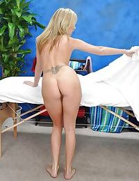 Seductive blonde babe stripping and showcasing her fuzzy ass
