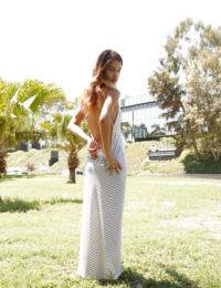 Voluptuous young amateur Uma Jolie spreading her gorgeous legs
