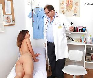 Versatile hoe Veronica gets her vaginal and anal orifices checked