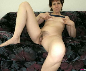 Titillating wifes spread their pussy bazoo - part 2068