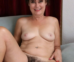 Hairy american housewife like one another elsewhere her bush - fidelity 786